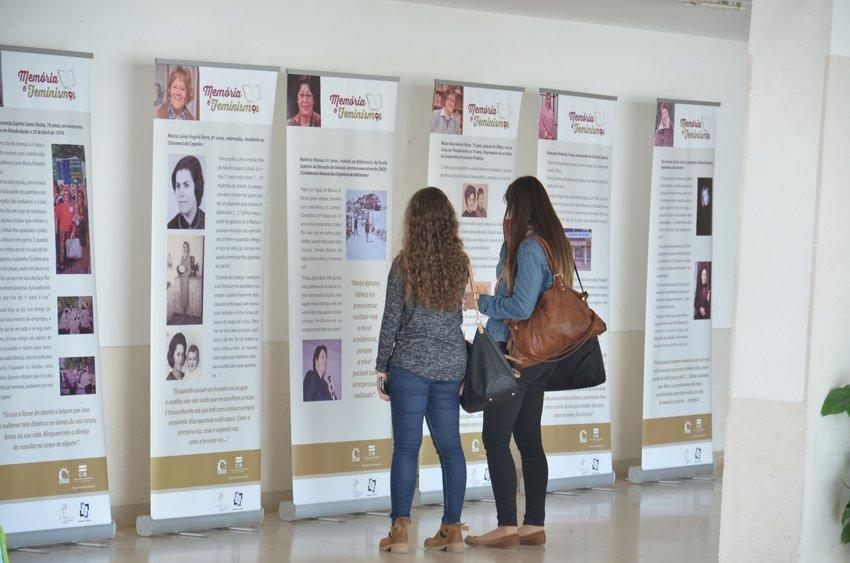 Painéis Memória e Feminismos